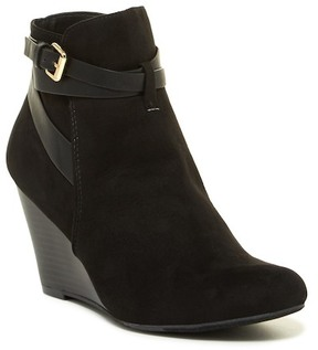 Report Garrie Wedge Bootie