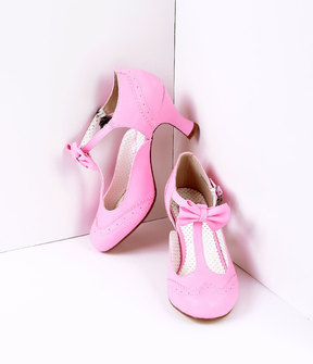 Unique Vintage Pink Faux Leather Round Toe Kitten Heel