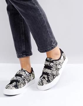 New Look Tapestry Buckle Sneaker