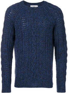 Closed cable-knit jumper