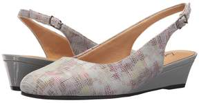 Trotters Lenore Women's Slip on Shoes