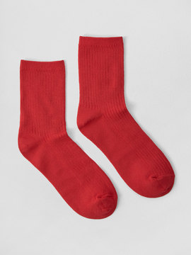 Frank and Oak Mid-Calf Ribbed Socks in Red