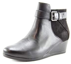 Giani Bernini Chelseaa Round Toe Leather Ankle Boot.