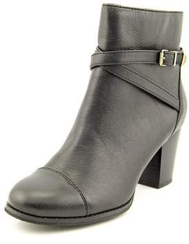 Giani Bernini Dannie Women Round Toe Leather Black Ankle Boot.