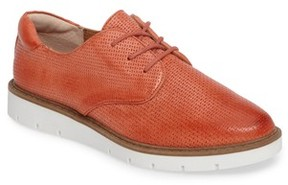 Sofft Women's Softt Norland Embossed Oxford