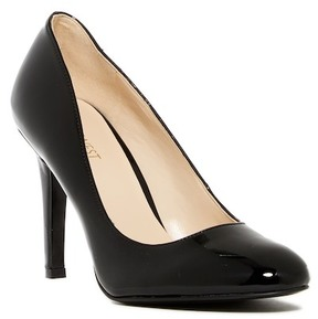 Nine West Caress Pump