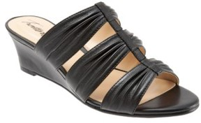 Trotters Women's Mia Wedge Sandal