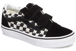 Vans Boy's X Peanuts Old Skool V Low Top Sneaker