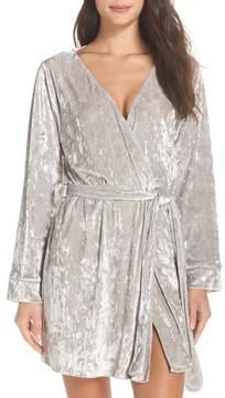 Chelsea28 Women's Crushed Velvet Short Robe