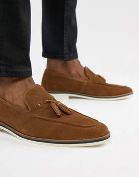 Asos DESIGN Loafers In Tan Suede With White Sole