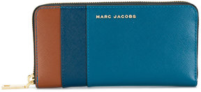Marc Jacobs Saffiano Colourblocked continental wallet - BLUE - STYLE