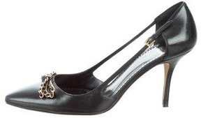Moschino Cheap & Chic Moschino Cheap and Chic Leather Bow-Accented Pumps