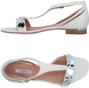 Nina Ricci Toe strap sandals