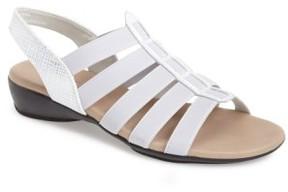 Munro American Women's 'Darian' Slip-On Sandal