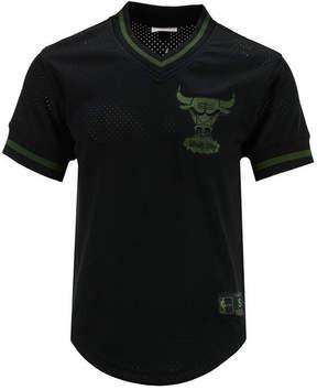 Mitchell & Ness Men's Chicago Bulls Seasoned Pro Mesh Fashion Jersey