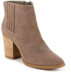 Madden-Girl Women's Shaakerr Chelsea Boot