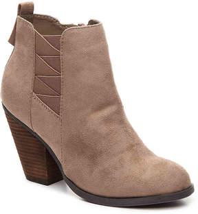 Mix No. 6 Women's Vincee Chelsea Boot