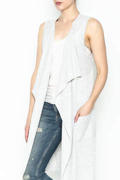 Double Zero Sleeveless Vest