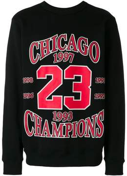 Ih Nom Uh Nit Chicago 23 longsleeved sweatshirt