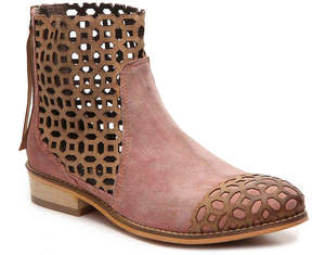 Rebels Women's Villaroy Bootie