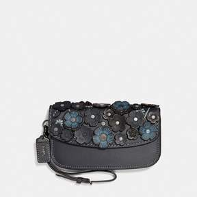 COACH COACH CLUTCH WITH SMALL TEA ROSE - MIDNIGHT NAVY/BRASS