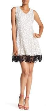 Donna Ricco Bonded Lace Dress