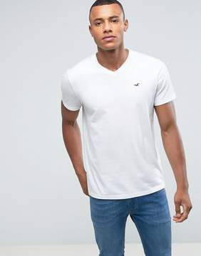 Hollister V-Neck T-Shirt Slim Fit Icon Logo in White