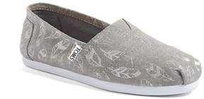 Toms Classic Feather Print Slip-On Shoe
