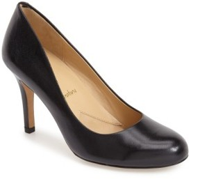 Trotters Women's 'Signature Gigi' Round Toe Pump