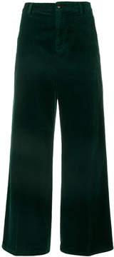 Closed wide-leg pants
