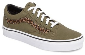 Vans Women's Old Skool Sneaker