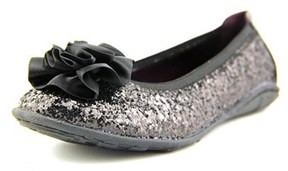 Kenneth Cole Reaction Lil Bit Of Buck Youth Round Toe Synthetic Black Flats.