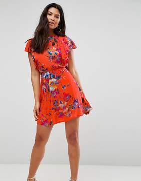 Club L Frill Sleeve Detailed Dress