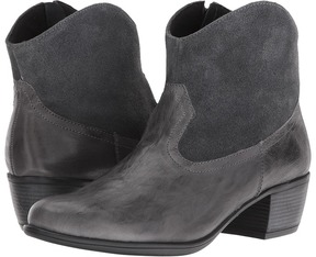 Munro American Laramie Cowboy Boots