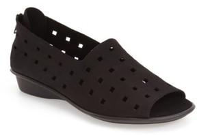 Sesto Meucci Women's 'Evonne' Cutout Open-Toe Flat
