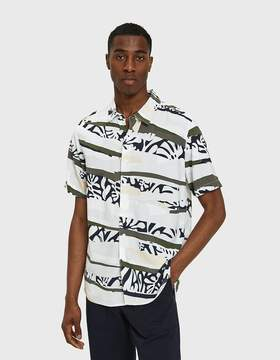 NATIVE YOUTH Tropi Camo Short Sleeve Shirt