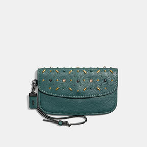 COACH CLUTCH IN NATURAL PEBBLE LEATHER WITH PRAIRIE RIVETS - BLACK COPPER/DARK TURQUOISE