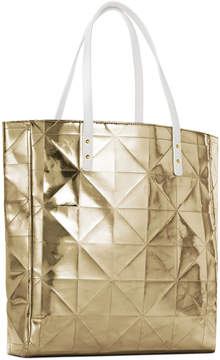 Receive a Free Tote with $75 Elizabeth Arden purchase