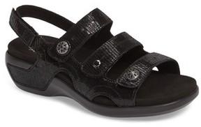 Aravon Women's Pc Wedge Sandal