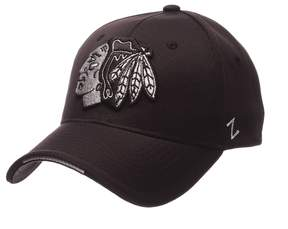 Zephyr Adult Chicago Blackhawks Synergy Fitted Cap