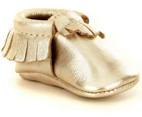 Freshly Picked Girls' Soft Soled Metallic Fringe Moccasin Crib Shoe