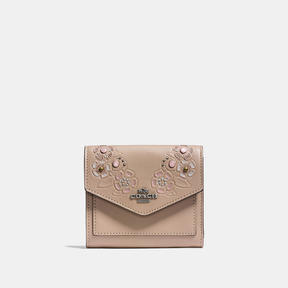 COACH Coach Small Wallet In Glovetanned Leather With Tea Rose Tooling - LIGHT ANTIQUE NICKEL/STONE MULTI - STYLE