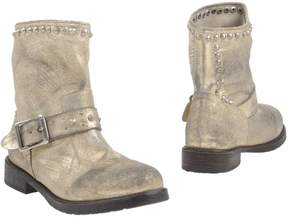 Mr Wolf Ankle boots