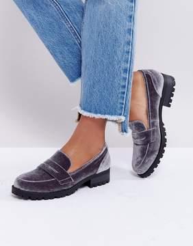 London Rebel Velvet Cleat Sole Loafer