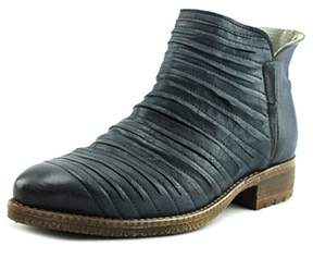 Kanna Kv7573 Pointed Toe Leather Bootie.