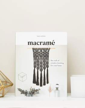 Books The Book of Macrame