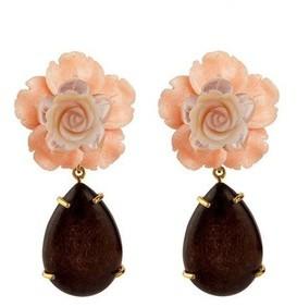 Bounkit Flower And Wood Drop Earrings