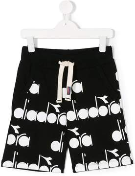 Diadora Junior logo print drawstring shorts