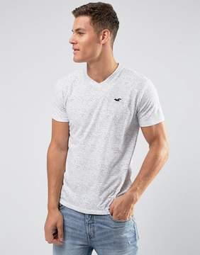 Hollister V-Neck T-Shirt Slim Fit Icon Logo in Gray