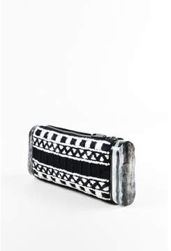 Edie Parker Pre-owned Black White Woven Acrylic Side lara Clutch.
